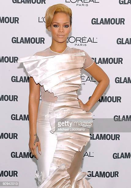 Singer Rihanna attends the Glamour Magazine 2009 Women of The Year Honors at Carnegie Hall on November 9 2009 in New York City