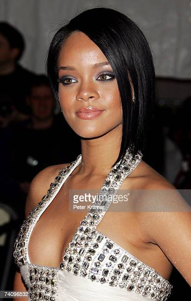 Singer Rhianna attends the Metropolitan Museum of Art Costume Institute Benefit Gala 'Poiret King Of Fashion' at the Metropolitan Museum of Art on...