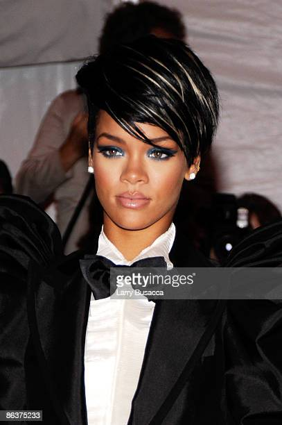 Singer Rihanna attends 'The Model as Muse Embodying Fashion' Costume Institute Gala at The Metropolitan Museum of Art on May 4 2009 in New York City