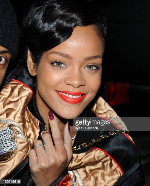 "Rihanna News And Photos: Rihanna's New Album ""Unapologetic"" Pre-Release Preview"