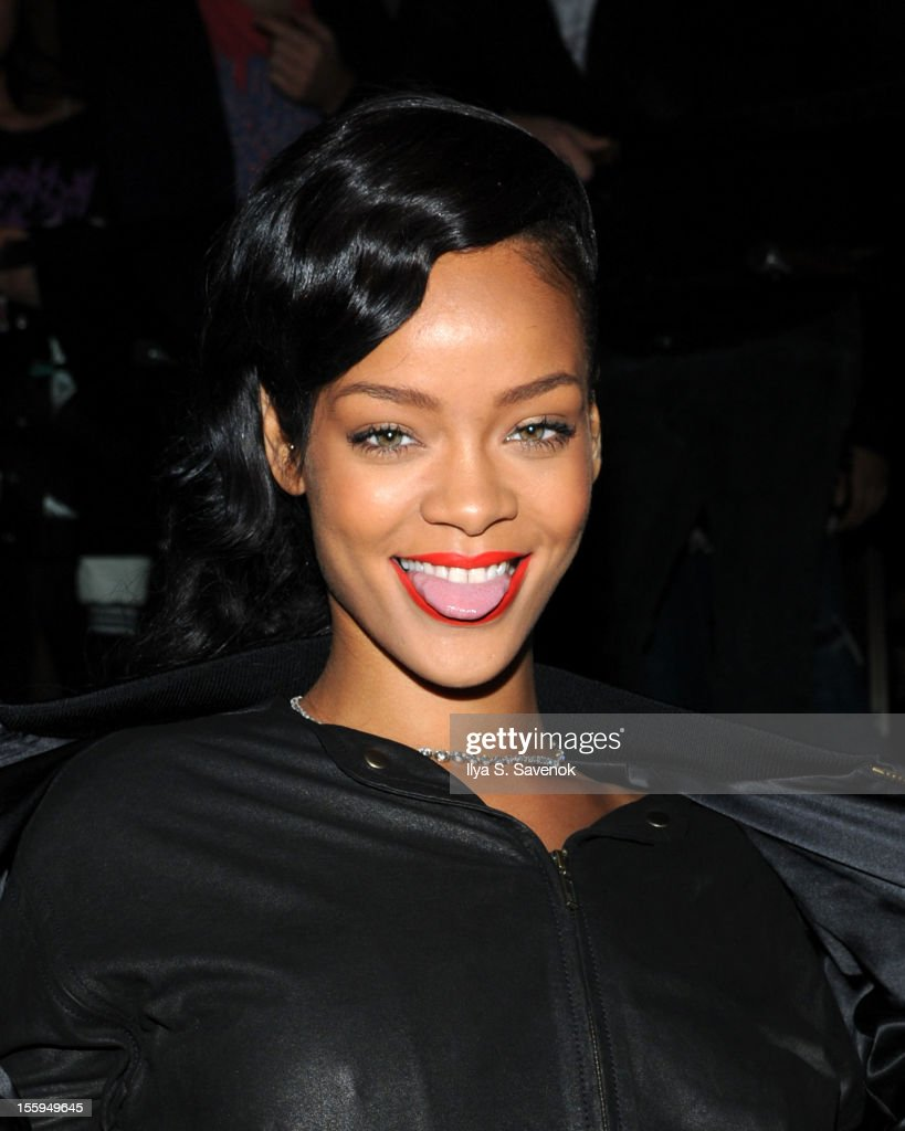 Singer Rihanna attends the pre-release preview of Rihanna's new album 'Unapologetic' at 40 / 40 Club on November 9, 2012 in New York City.