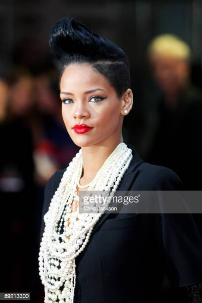 "Singer Rihanna attends the UK film premiere of ""Inglourious Basterds"" at the Odeon Leicester Square on July 23, 2009 in London, England."