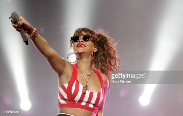 Singer Rihanna performs on stage during a concert in the Rock in Rio Festival on September 23 2011 in Rio de Janeiro Brazil Rock in Rio Festival...