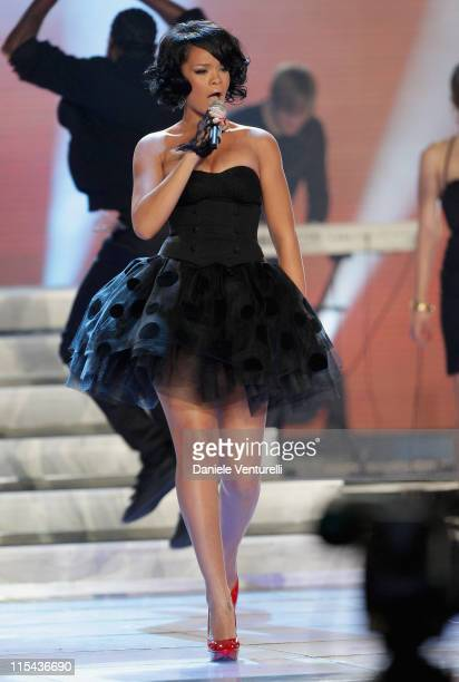 Singer Rihanna performs on stage during the 2007 World Music Awards held at the Sporting Club on November 4, 2007 in Monte Carlo, Monaco.