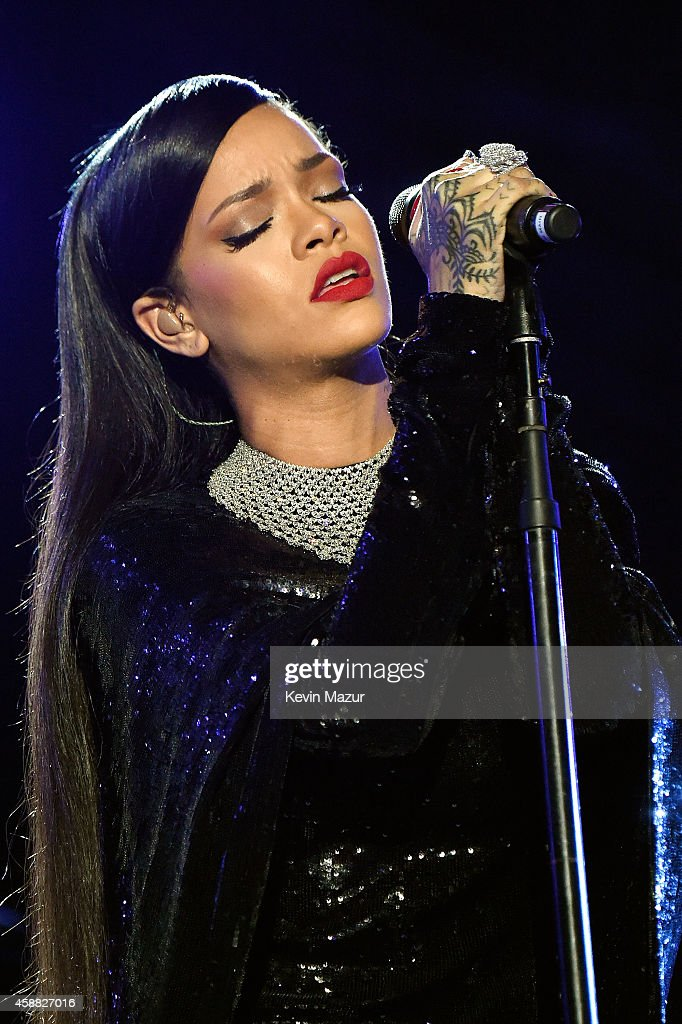 Singer Rihanna performs onstage during 'The Concert For Valor' at The National Mall on November 11, 2014 in Washington, DC.