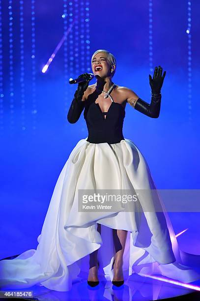 Singer Rita Ora perfoms Grateful from Beyond the Lights onstage during the 87th Annual Academy Awards at Dolby Theatre on February 22 2015 in...