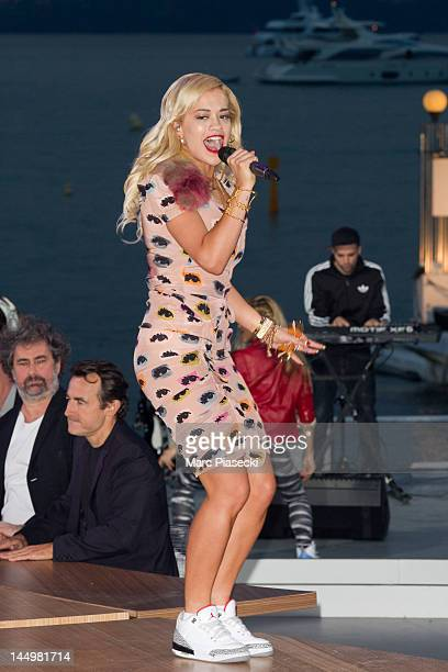 Singer Rita Ora sings during the 'Le Grand Journal' TV show on May 21 2012 in Cannes France