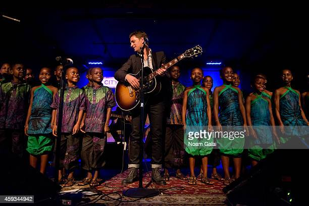 Singer Rob Thomas and The African Childrens Choir perform at the 6th Annual African Children's Choir Changemakers Gala at City Winery on November 20...