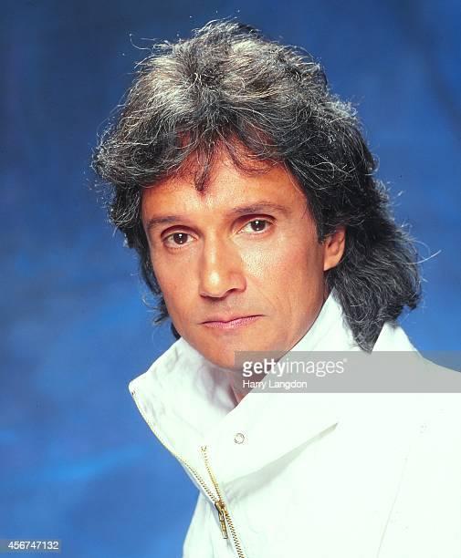 Singer Roberto Carlos poses for a portrait in 1995 in Los Angeles California