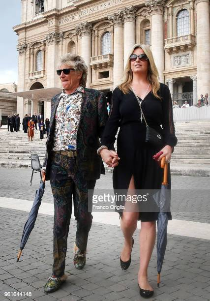 Singer Rod Stewart and his wife Penny Lancaster leave St Peter's square at the end of Pope Francis' weekly audience on May 23 2018 in Vatican City...