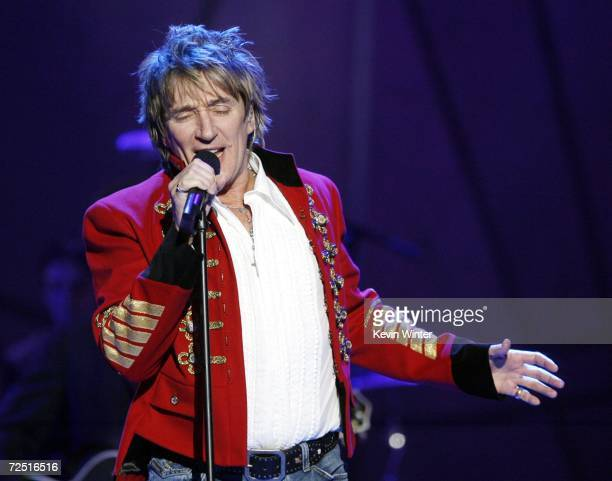 Singer Rod Stewart performs at CBS's 8th Annual A Home for the Holidays at RenMar Studios on November 12 2006 in Los Angeles California The show will...