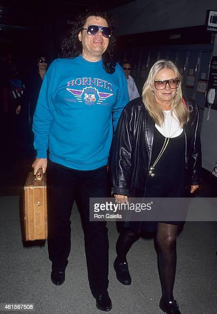 Singer Ronnie Milsap and wife Francis Joyce Reeves arrive from Nashville Tennessee on March 22 1994 at the Los Angeles International Airport in Los...