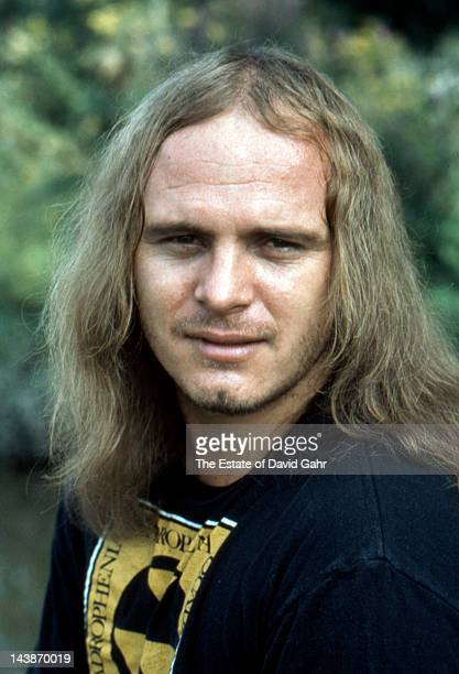 Singer Ronnie Van Zandt of the rock group Lynyrd Skynyrd poses for a portrait in September 1974 in Parsippany New Jersey
