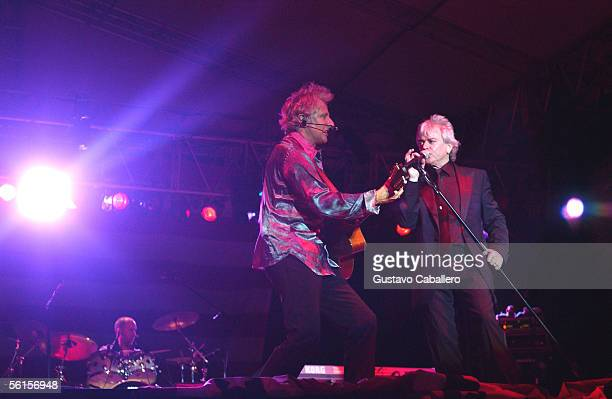 Singer Russell Hitchcock of Air Supply performs at Aventura Park on November 13 2005 in Miami Florida