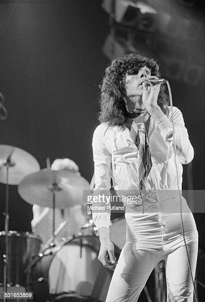 Singer Russell Mael performing on stage with American rock group Sparks, November 1974.