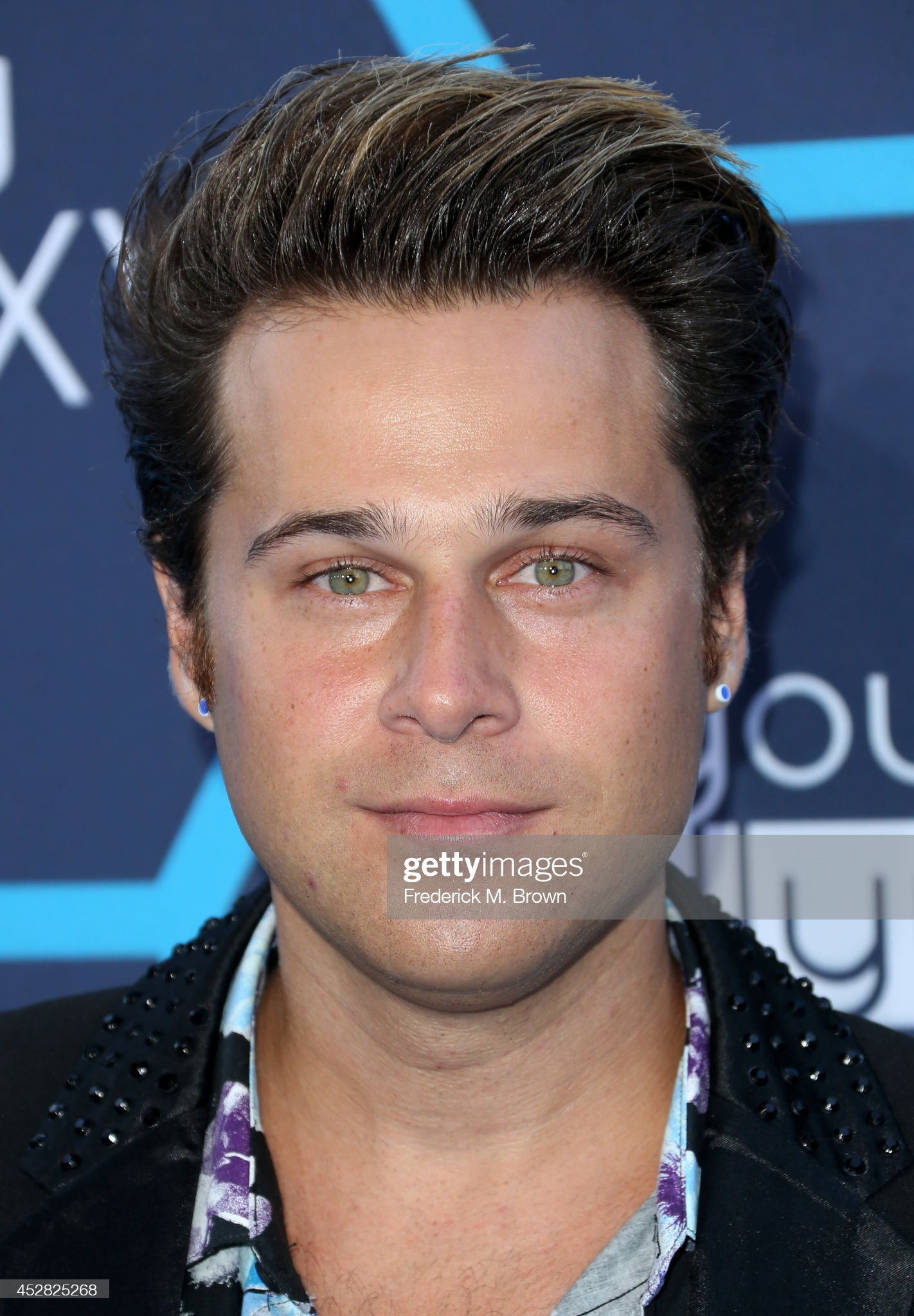 ¿Cuánto mide Ryan Cabrera? - Real height Singer-ryan-cabrera-attends-the-2014-young-hollywood-awards-brought-picture-id452825268?s=2048x2048