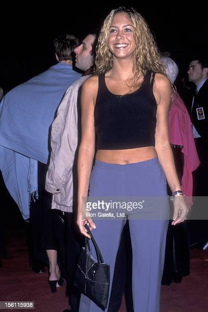 Singer Samantha Cole attends 'The Green Mile' New York City Premiere on December 8 1999 at Ziegfeld Theater in New York City New York