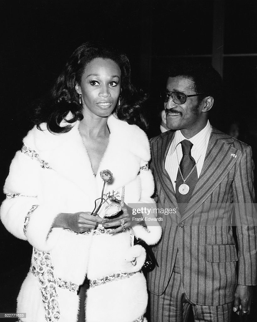 Sammy Davis Jr And Altovise : News Photo