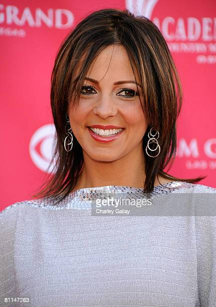 Singer Sara Evans arrives at the 43rd annual Academy Of Country Music Awards held at the MGM Grand Garden Arena on May 18 2008 in Las Vegas Nevada