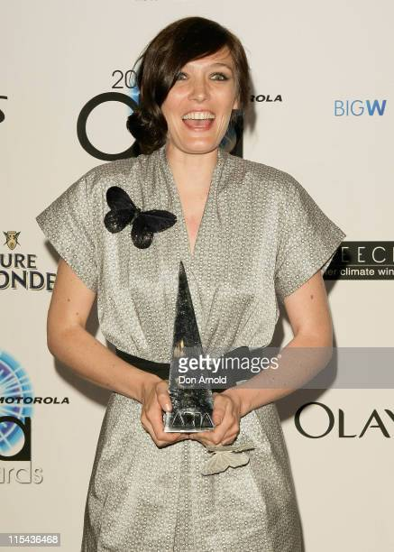 Singer Sarah Blasko accepts the award for Best Pop Release at the 2007 ARIA Awards at Acer Arena on October 28, 2007 in Sydney, Australia. The 21st...