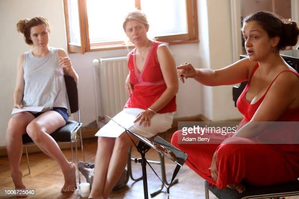 Singer Sasha Lurje leads a singing workshop during Yiddish Summer Weimar on July 27 2018 in Weimar Germany The annual fiveweek summer institute and...