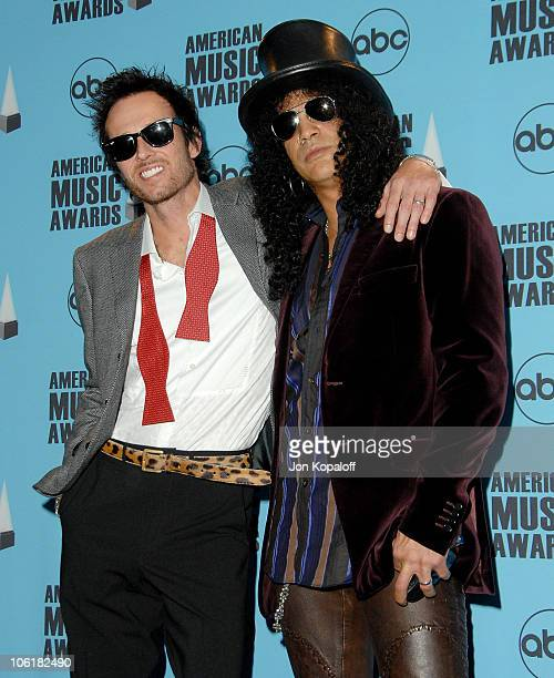 Singer Scott Weiland and musician Slash in the press room at the 2007 American Music Awards at the Nokia Theatre on November 18 2007 in Los Angeles...