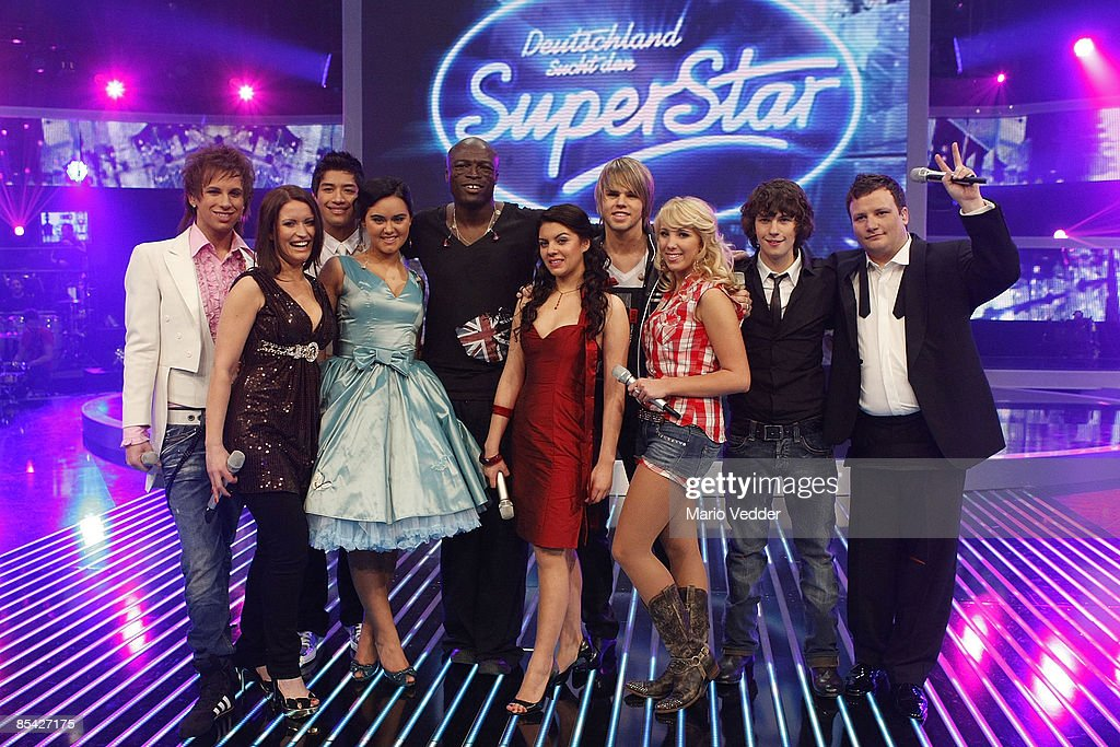 Singer Seal and the german superstars look on during a photo call after the rehearsel for the singer qualifying contest DSDS 'Deutschland sucht den Superstar' mottoshow on March 14, 2009 in Cologne, Germany.
