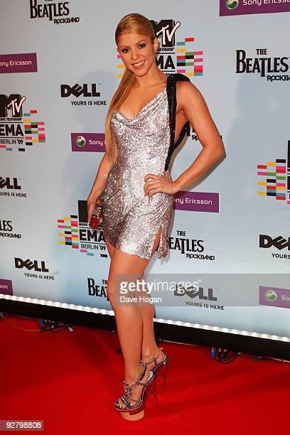Singer Shakira arrives for the 2009 MTV Europe Music Awards held at the O2 Arena on November 5 2009 in Berlin Germany
