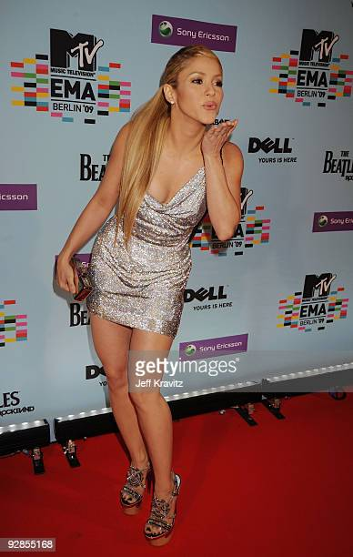 Singer Shakira arrives for the 2009 MTV Europe Music Awards held at the O2 Arena on November 5 2009 in Berlin Germany