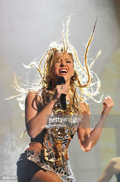 Singer Shakira performs during the 2009 MTV Europe Music Awards held at the O2 Arena on November 5 2009 in Berlin Germany