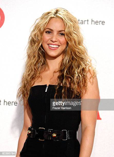 Singer Shakira, winner of the Discretionary Humanitarian award, poses during the 2008 ALMA Awards at the Pasadena Civic Auditorium on August 17, 2008...