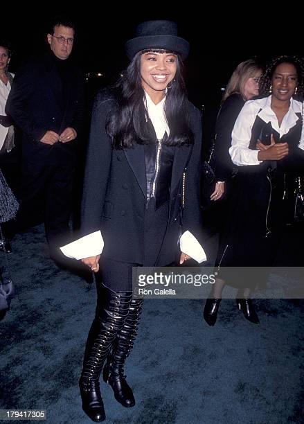 Singer Shanice attends the Neil Bogart Memorial Fund Honors Clarence Avant on November 13 1993 at the Barker Hangar Santa Monica Air Center in Santa...