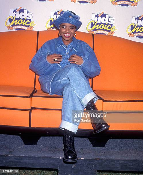 Singer Shanice attends the Sixth Annual Nickelodeon's Kids' Choice Awards on November 14 1992 at the Star Trek Theatre Universal Studios in Universal...