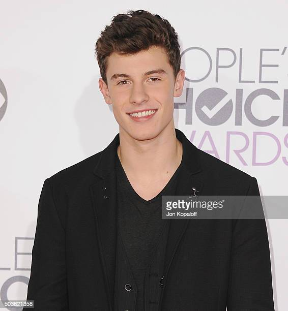 Singer Shawn Mendes arrives at People's Choice Awards 2016 at Microsoft Theater on January 6 2016 in Los Angeles California