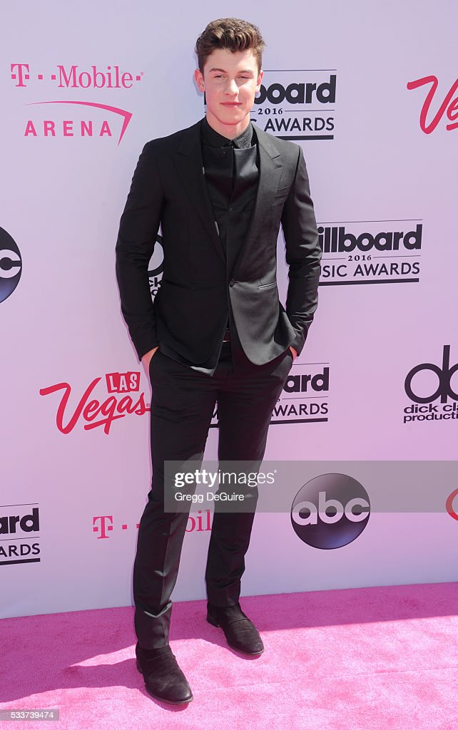 Singer Shawn Mendes arrives at the 2016 Billboard Music Awards at T-Mobile Arena on May 22, 2016 in Las Vegas, Nevada.