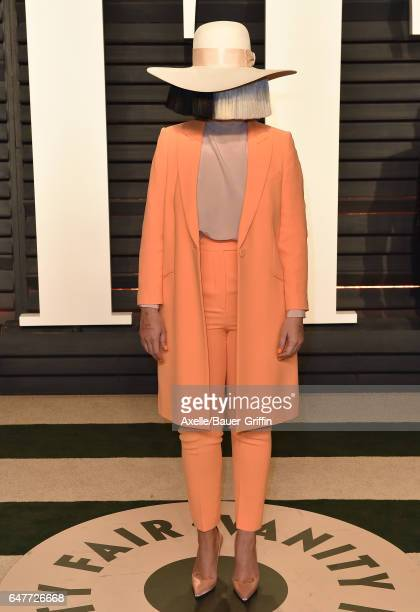 Singer Sia arrives at the 2017 Vanity Fair Oscar Party Hosted By Graydon Carter at Wallis Annenberg Center for the Performing Arts on February 26...
