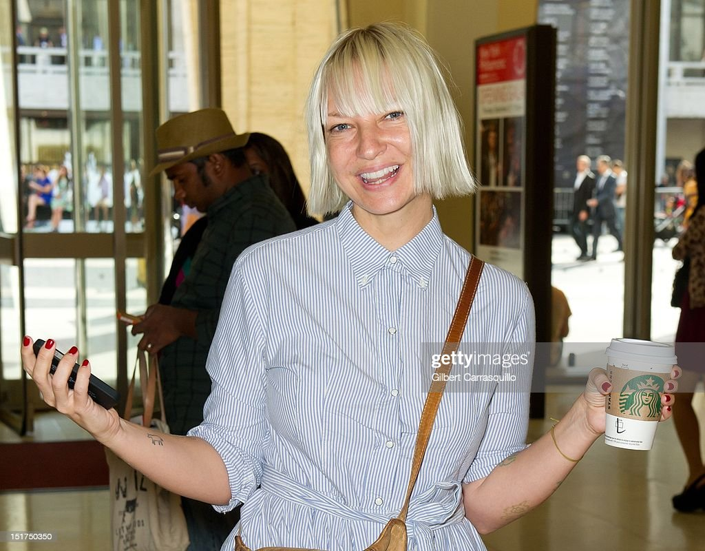 Celebrity Sightings - Spring 2013 Mercedes-Benz Fashion Week - September, 10 2012 : News Photo