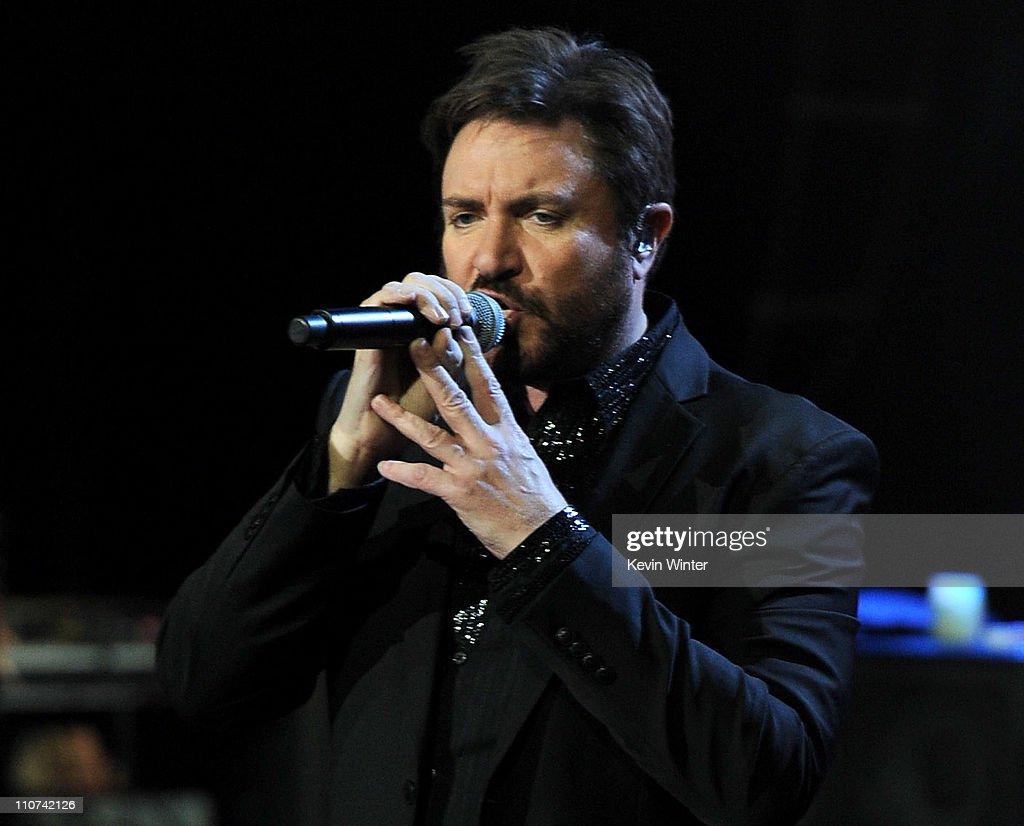 Duran duran singer admits to - 2019 year