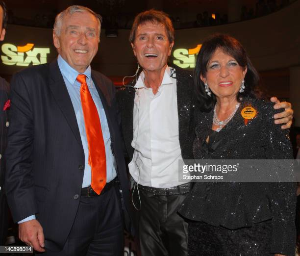 Singer Sir Cliff Richard with owners Erich Sixt and Regine Sixt at the 'Goya' Club at Nollendorfplatz at the celebrationparty due to the 100 years...