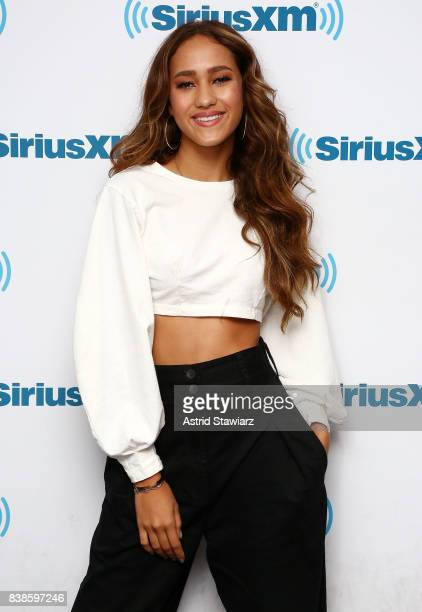 Singer Skylar Stecker visits the SiriusXM Studios on August 24 2017 in New York City