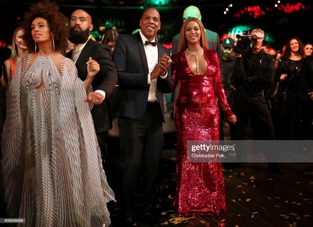 The 59th GRAMMY Awards - Roaming Show : ニュース写真