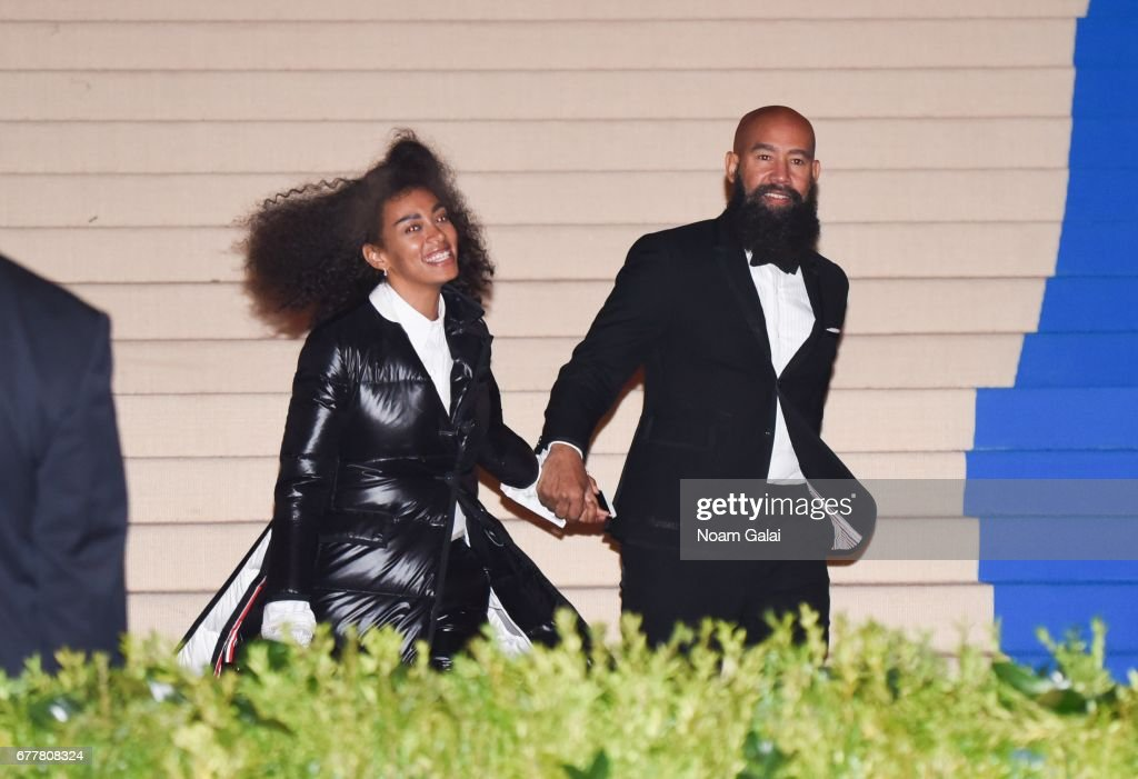 """""""Rei Kawakubo/Comme des Garcons: Art Of The In-Between"""" Costume Institute Gala - Outside Arrivals : ニュース写真"""