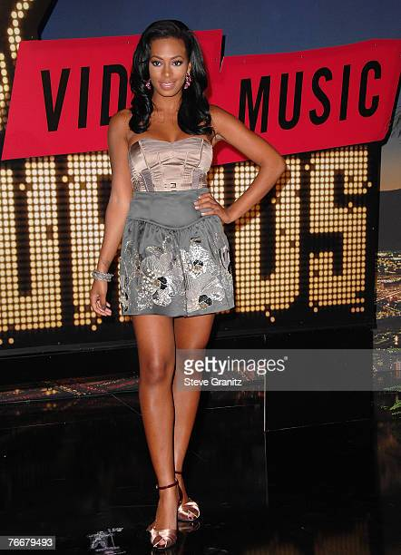 Singer Solange Knowles arrives at the 2007 Video Music Awards at the Palms Casino Resort on September 9, 2007 in Las Vegas, Nevada.
