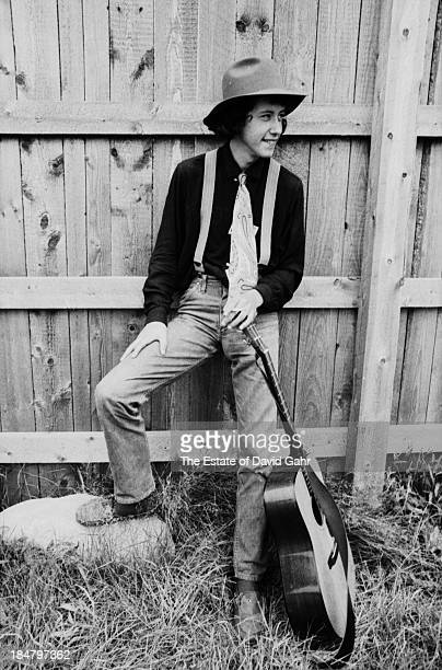 Singer songwriter Arlo Guthrie poses for a portrait before his debut performance at the Newport Folk Festival in July, 1967 in Newport, Rhode Island....
