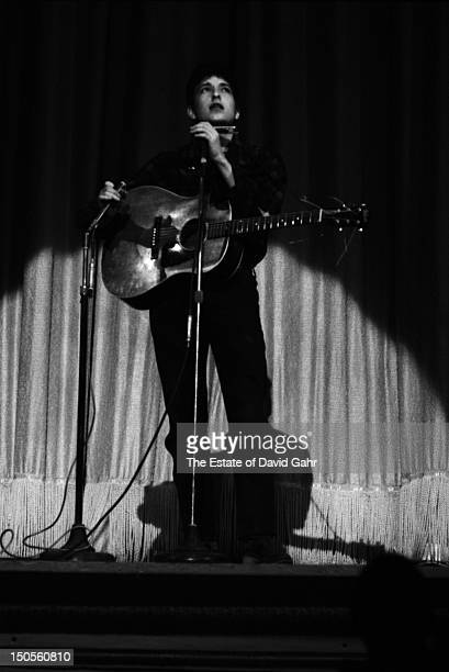 Singer songwriter Bob Dylan performs at the Carnegie Hall Hootenanny on September 22 1962 in New York City New York
