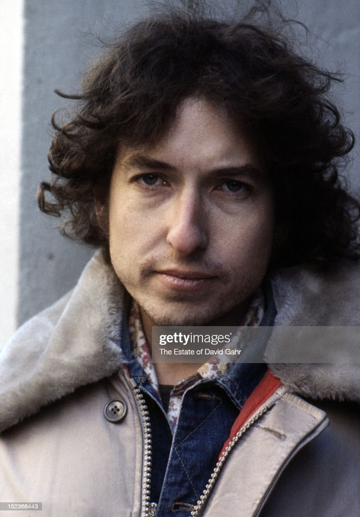 Singer songwriter Bob Dylan poses for a portrait in December1971 in New York City, New York.
