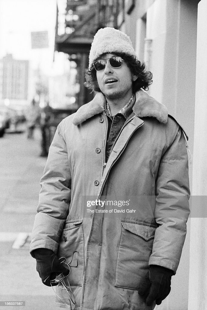 Singer songwriter Bob Dylan poses for a portrait on December 2, 1971 on East 4th Street in the East Village, New York City, New York.