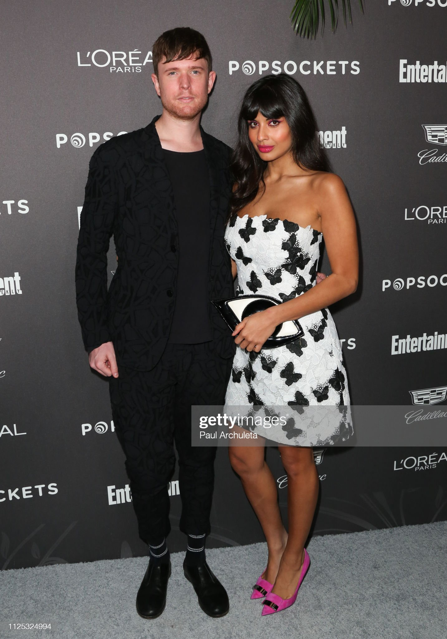 ¿Cuánto mide Jameela Jamil? - Real height Singer-songwriter-james-blake-and-actress-jameela-jamil-attend-the-picture-id1125324994?s=2048x2048