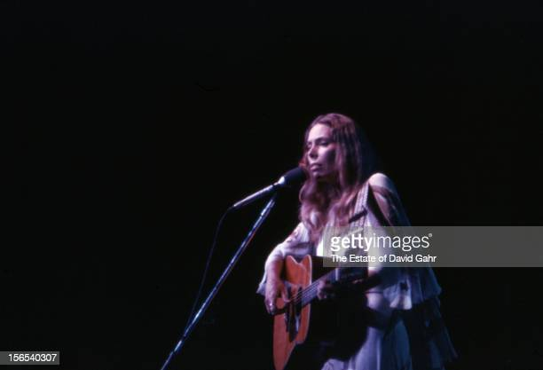 Singer songwriter Joni Mitchell performs at Radio City Music Hall on February 6 1974 in New York City New York