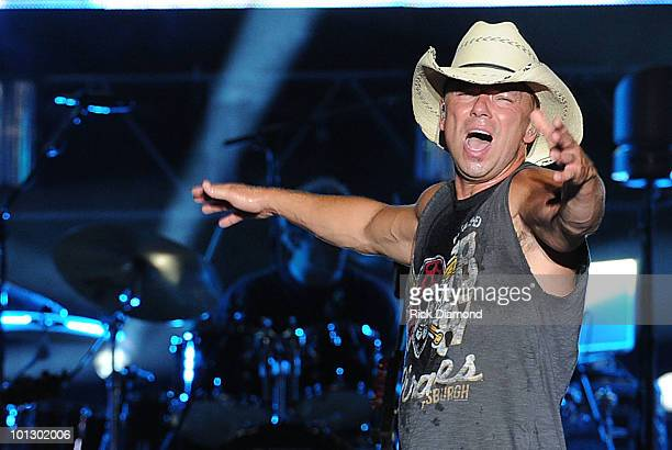 Singer & Songwriter Kenny Chesney performs at Bayou Country Superfest 2010 at LSU Tiger Stadium on May 30, 2010 in Baton Rouge, Louisiana.